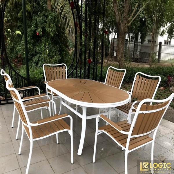 Bộ bàn ghế sân vườn, nhà hàng, cafe chất liệu Composite nan màu vàng