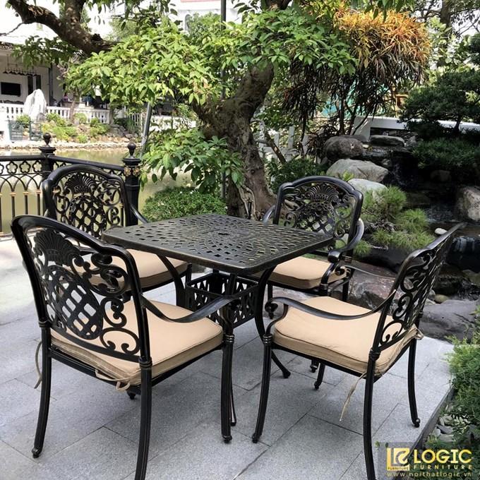 Thiết kế bàn ghế sân vườn đẹp
